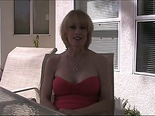 MILF (POV) #100 Super-duper Blonde Mom in the Backyard